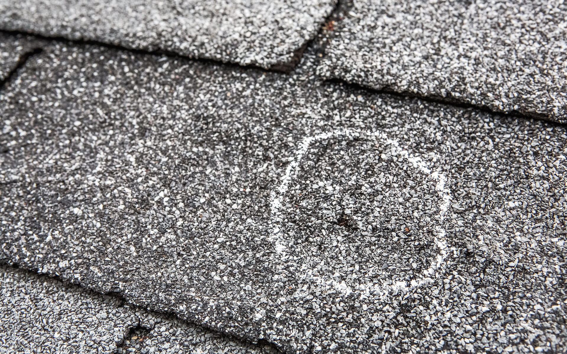 how do roofing insurance claims work